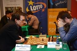 Mateusz Bartel vs Mirosław Grabarczyk Lotto Mistrzostwa Polski 2014 -  zdjęcie pochodzi ze strony www.pzszach.pl/mp2014/