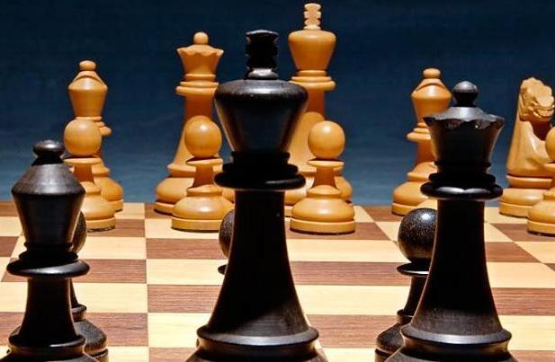 AMP w Szachach: gra siedmiu zawodników Polonii