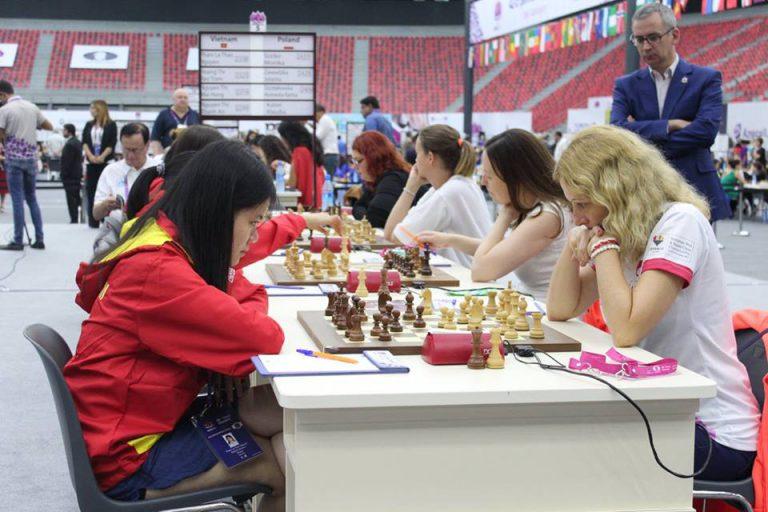 Olimpiada Szachowa: Polki górą, Polacy remisują