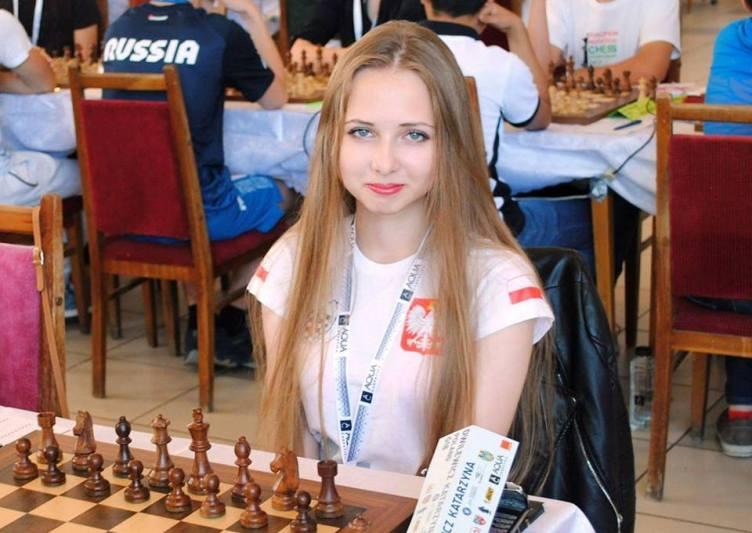 Katarzyna Dwilewicz gra na Mistrzostwach Świata do lat 20!